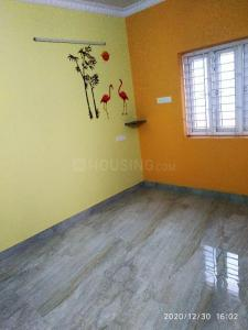 Gallery Cover Image of 750 Sq.ft 2 BHK Apartment for rent in Sai Krishna Flats, Kovilambakkam for 12000