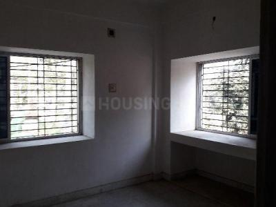 Gallery Cover Image of 750 Sq.ft 2 BHK Apartment for buy in Thakurpukur for 2000000
