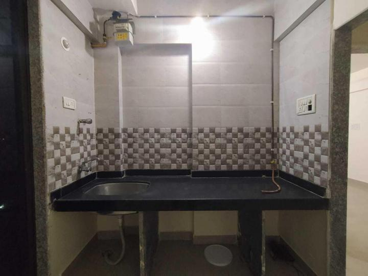Kitchen Image of 600 Sq.ft 1 BHK Apartment for rent in Airoli for 23000