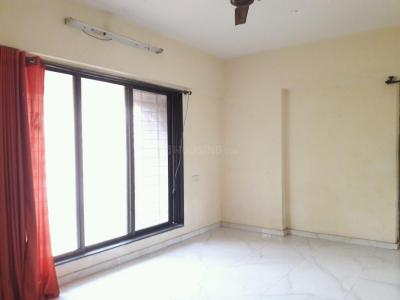 Gallery Cover Image of 900 Sq.ft 2 BHK Apartment for rent in Malad West for 30000