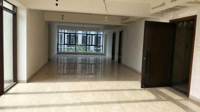Gallery Cover Image of 5600 Sq.ft 4 BHK Apartment for rent in Park Street Area for 350000