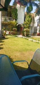 Gallery Cover Image of 10000 Sq.ft 6 BHK Independent House for rent in Sainik Farm for 260000
