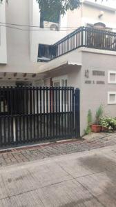 Gallery Cover Image of 800 Sq.ft 3 BHK Independent Floor for rent in Shivaji Nagar for 25000