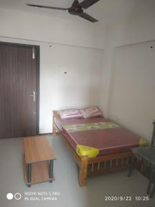 Gallery Cover Image of 300 Sq.ft 1 RK Apartment for rent in Lordkrishna Pushpanjali, Guruvayoor for 6500