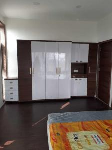 Gallery Cover Image of 1600 Sq.ft 2 BHK Apartment for rent in Ellisbridge for 50000