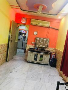 Gallery Cover Image of 650 Sq.ft 1 BHK Independent Floor for buy in Mumbra for 3000000