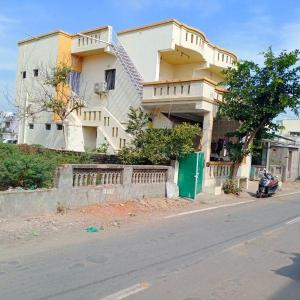Gallery Cover Image of 1900 Sq.ft 4 BHK Independent House for buy in Mahemdabad for 7000000