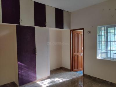 Gallery Cover Image of 1700 Sq.ft 2 BHK Apartment for rent in Aminjikarai for 25000