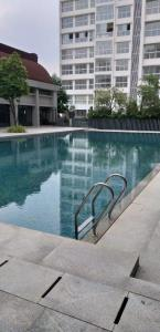 Gallery Cover Image of 600 Sq.ft 1 BHK Apartment for rent in Godrej The Trees, Vikhroli East for 34000