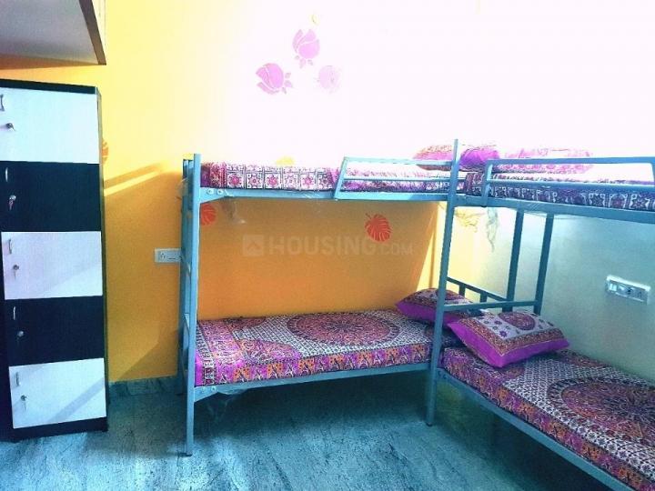 Bedroom Image of Sri V Ladies PG in Pallikaranai