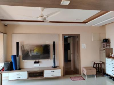 Gallery Cover Image of 1200 Sq.ft 2 BHK Apartment for rent in Cumballa Hill for 139000