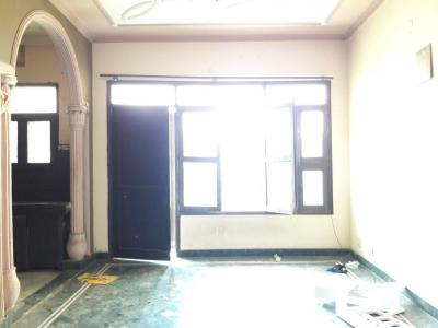 Gallery Cover Image of 1250 Sq.ft 3 BHK Apartment for rent in Aya Nagar for 15000