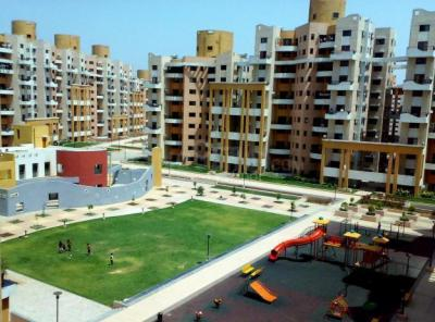 Gallery Cover Image of 1500 Sq.ft 3 BHK Apartment for rent in Magarpatta City for 34000