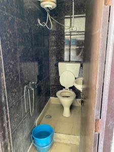 Bathroom Image of PG For Girls in Mukherjee Nagar