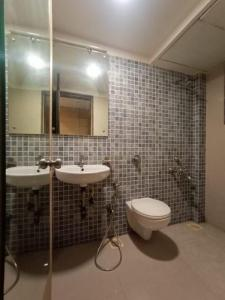 Bathroom Image of PG 5543780 Kandivali West in Kandivali West