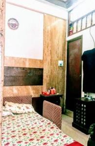 Bedroom Image of Yuvi's PG in Colaba