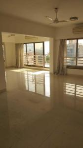 Gallery Cover Image of 2500 Sq.ft 3 BHK Apartment for rent in Santacruz West for 225000