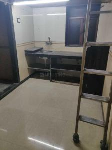 Gallery Cover Image of 350 Sq.ft 1 BHK Apartment for rent in Parel for 17000