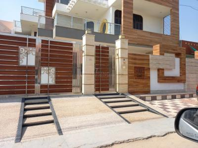 Gallery Cover Image of 2800 Sq.ft 4 BHK Independent House for rent in Sector 14 for 65000