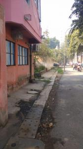Gallery Cover Image of 500 Sq.ft 1 BHK Independent Floor for buy in LIG Flat, Narela for 2500000
