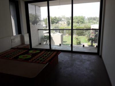 Gallery Cover Image of 2115 Sq.ft 3 BHK Apartment for rent in Bodakdev for 38000