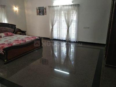 Gallery Cover Image of 6500 Sq.ft 5 BHK Independent House for rent in Injambakkam for 250000