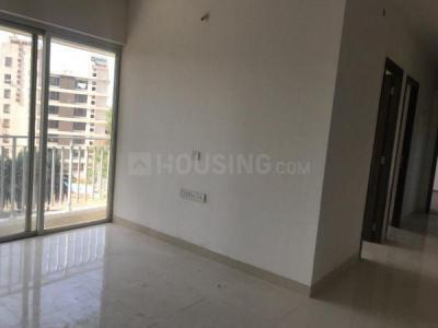 Gallery Cover Image of 1297 Sq.ft 3 BHK Apartment for buy in Wadhwa Solitaire, Thane West for 15300000