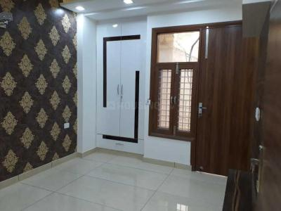 Gallery Cover Image of 1200 Sq.ft 2 BHK Independent Floor for rent in Vikaspuri for 18000