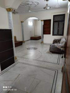 Gallery Cover Image of 1200 Sq.ft 2 BHK Independent Floor for rent in South Extension I for 30000