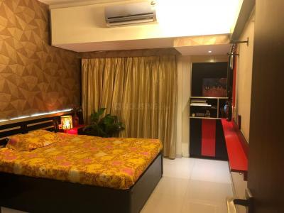 Gallery Cover Image of 1021 Sq.ft 2 BHK Apartment for rent in Andheri West for 65000