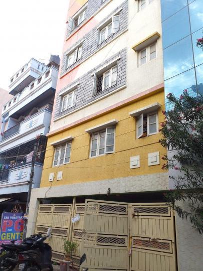 बीटीएम लेआउट में श्री विनायक पीजी के बिल्डिंग की तस्वीर
