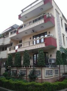 Gallery Cover Image of 5000 Sq.ft 4 BHK Independent House for buy in Sushant Lok 3, Sector 57 for 34000000