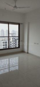 Gallery Cover Image of 980 Sq.ft 2 BHK Apartment for rent in Raheja Serenity, Kandivali East for 40000