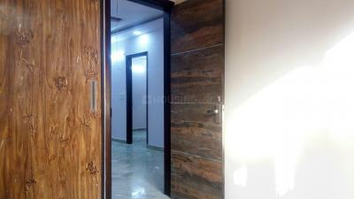 Gallery Cover Image of 756 Sq.ft 2 BHK Independent Floor for buy in Shalimar Bagh for 12000000