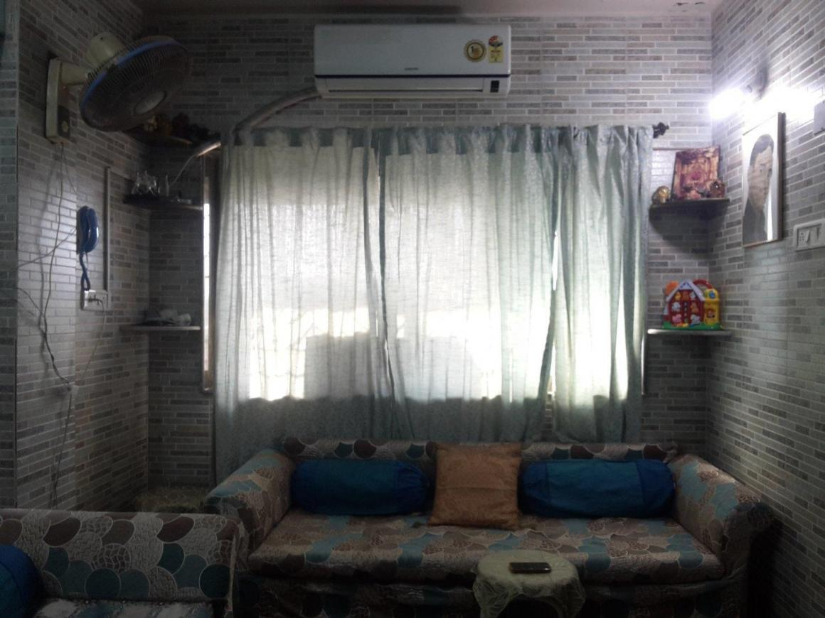 Living Room Image of 525 Sq.ft 1 BHK Apartment for buy in Malad West for 6500000