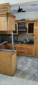 Gallery Cover Image of 2200 Sq.ft 3 BHK Apartment for rent in Shivkala Apartment, Sector 51 for 21350