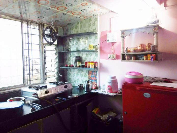 Kitchen Image of 630 Sq.ft 2 BHK Apartment for buy in Kalyan West for 3300000