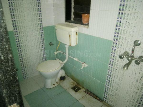 Bathroom Image of 920 Sq.ft 2 BHK Apartment for rent in Mira Road East for 18000