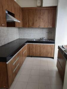 Kitchen Image of 3125 Sq.ft 4 BHK Apartment for buy in Godrej Frontier, Sector 80 for 16500000