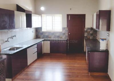 Gallery Cover Image of 3200 Sq.ft 3 BHK Apartment for rent in Vasanth Nagar for 120000