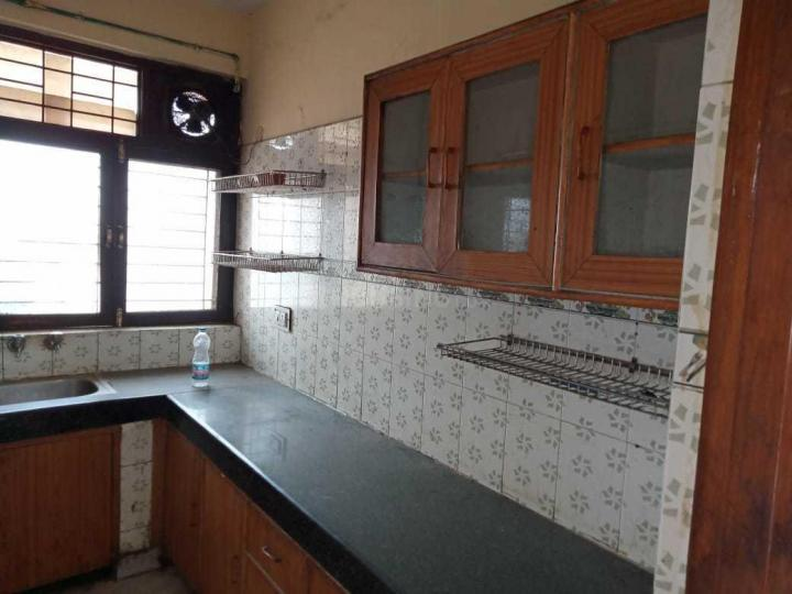Kitchen Image of 1840 Sq.ft 3 BHK Independent Floor for rent in Sector 10A for 20000