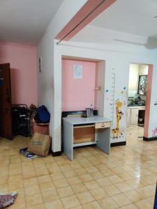Gallery Cover Image of 904 Sq.ft 2 BHK Apartment for rent in Velachery for 18000