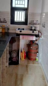 सेक्टर 16 रोहिणी में निशा के किचन की तस्वीर