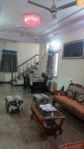 Gallery Cover Image of 3000 Sq.ft 3 BHK Villa for rent in Memnagar for 40000