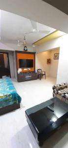Gallery Cover Image of 685 Sq.ft 1 BHK Apartment for rent in Geomatrix Geomatrix Silver Crest, Greater Khanda for 14000