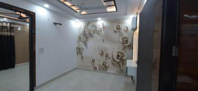 Gallery Cover Image of 900 Sq.ft 3 BHK Apartment for buy in Uttam Nagar for 5100000