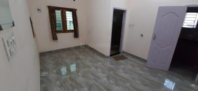 Gallery Cover Image of 600 Sq.ft 1 BHK Independent House for rent in Valasaravakkam for 14000