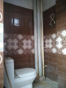 Bathroom Image of Yasmann PG in Sector 126