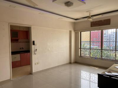 Gallery Cover Image of 915 Sq.ft 2 BHK Apartment for rent in Kandivali East for 37000