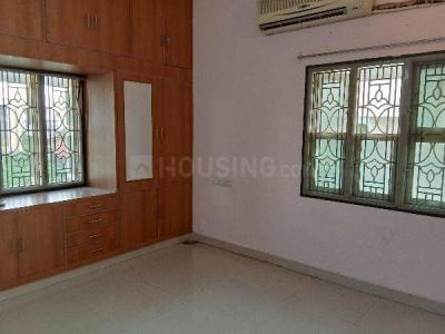 Gallery Cover Image of 1850 Sq.ft 3 BHK Independent Floor for rent in Porur for 20000